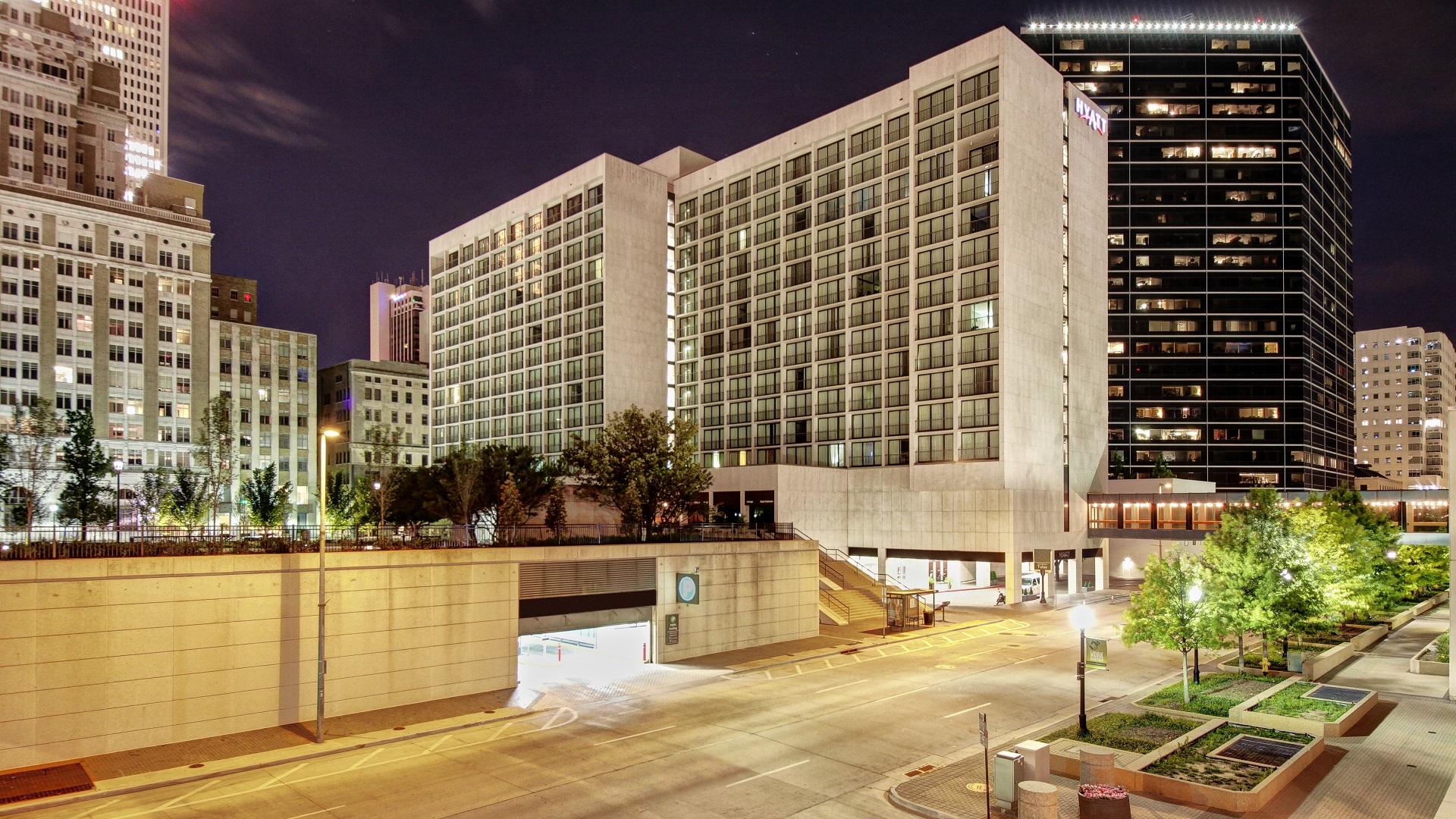 Hotel Photo - Outside Night Shot
